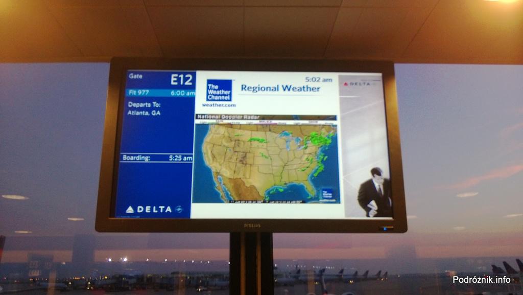 USA - Chicago O'Hare International Airport (ORD) - przy bramce Delta Airlines (DL) - National Doppler Radar - mapa opadów w USA - czerwiec 2013
