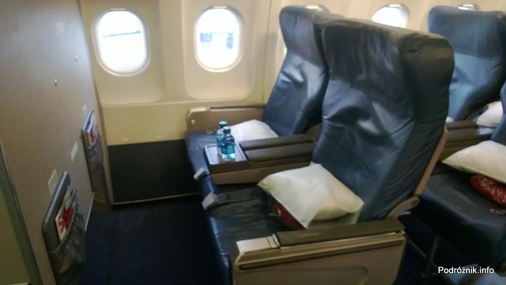 Delta Airlines - Airbus A319 - N362NB - DL977 - Klasa Pierwsza (First Class) - fotele - czerwiec 2013