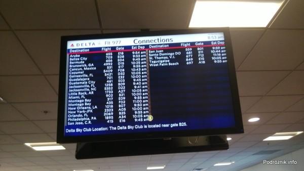Hartsfield-Jackson Atlanta International Airport (ATL) - przy bramce Delta Airlines - informacja dla przesiadających się z rejsu DL977