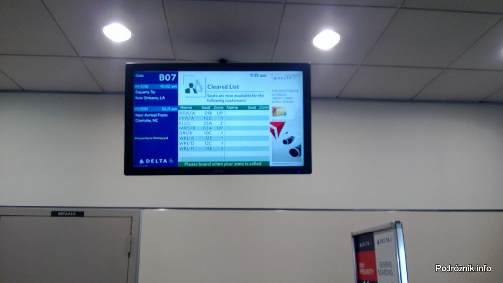 USA - Hartsfield Jackson Atlanta International Airport (ATL) - przy bramce Delta Airlines (DL) - Cleared list - ci co dostali upgrade do pierwszej klasy lub potwierdzenie z listy standby - czerwiec 2013