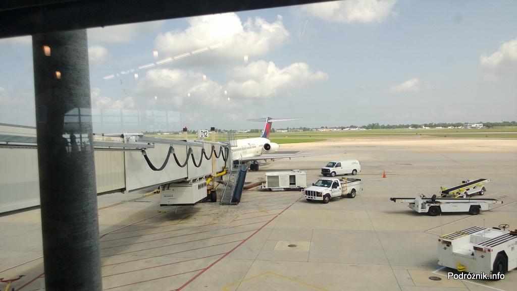 Delta Airlines - McDonnell Douglas MD-88 - N904DL - DL1018 - przy rękawie na lotnisku w Nowym Orleanie (MSY) - czerwiec 2013
