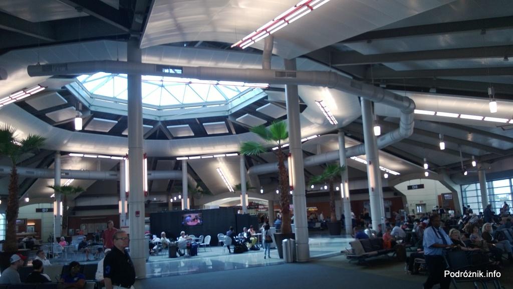 USA - Lotnisko w Nowym Orleanie (Louis Armstrong New Orleans International Airport MSY) - nowa część terminala D - czerwiec 2013