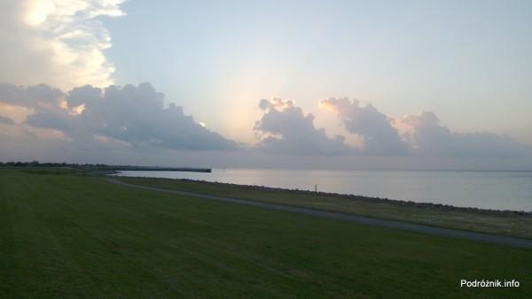 USA - Metairie - jezioro Pontchartrain - przed zachodem słońca - czerwiec 2013