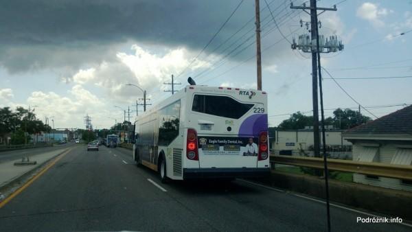 USA - Nowy Orlean - miejski autobus - czerwiec 2013