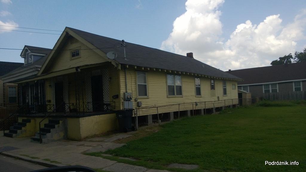 USA - Nowy Orlean - część wschodnia - podmurówka pod domem - czerwiec 2013