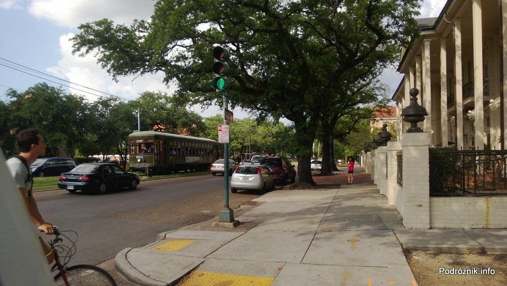 USA - Nowy Orlean - tramwaj (streetcar) na St Charles Ave - czerwiec 2013
