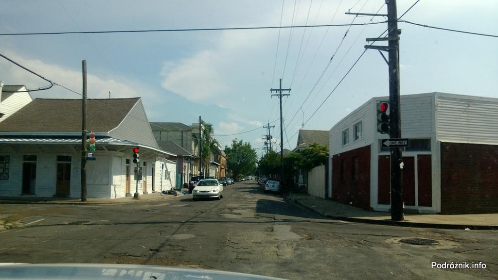 USA - Nowy Orlean - dziurawe ulice w starej części miasta - czerwiec 2013