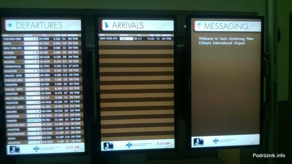 USA - Lotnisko w Nowym Orleanie  (Louis Armstrong New Orleans International Airport MSY) - tablica odlotów - czerwiec 2013
