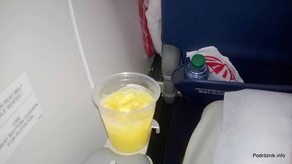 Delta Air Lines - DL5701 - Klasa Pierwsza (First Class) - drink powitalny - czerwiec 2013