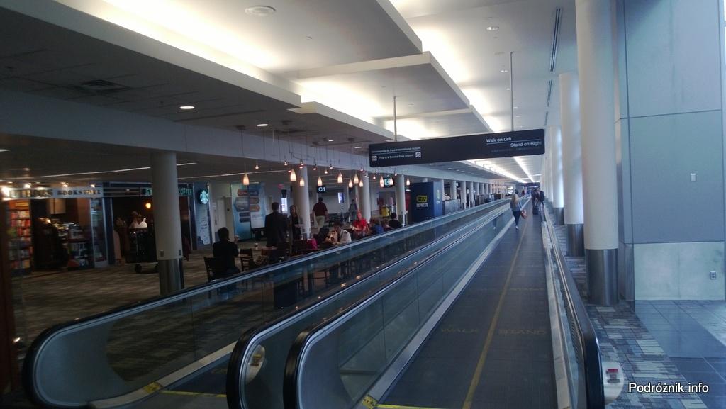 USA - Lotnisko w Minneapolis (Minneapolis Saint Paul International Airport) - połączenie między terminalami - czerwiec 2013