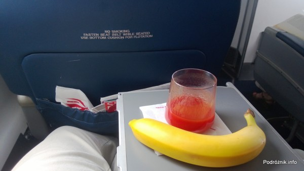 Delta Air Lines - Canadair Regional Jet CRJ-900 - N935XJ - DL3373 - Klasa Pierwsza (First Class) - jedzenie - czerwiec 2013