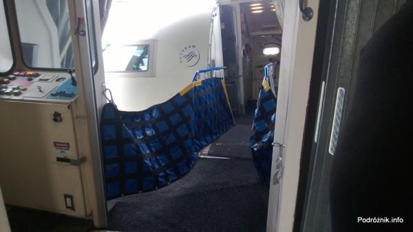 Delta Air Lines - Canadair Regional Jet CRJ-900 - N935XJ - rękaw przystosowany do małych samolotów - czerwiec 2013