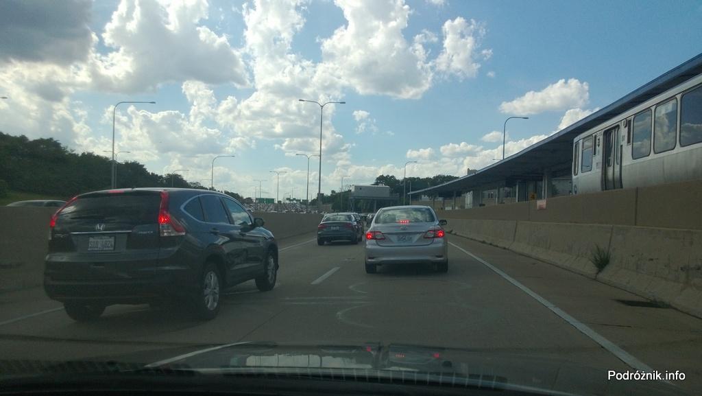 USA - Chicago - stacja kolejowa przy autostradzie - czerwiec 2013