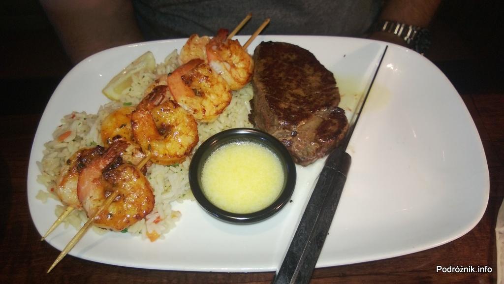 USA - przedmieścia Chicago - Longhorn Steaks - mały stek z krewetkami - czerwiec 2013