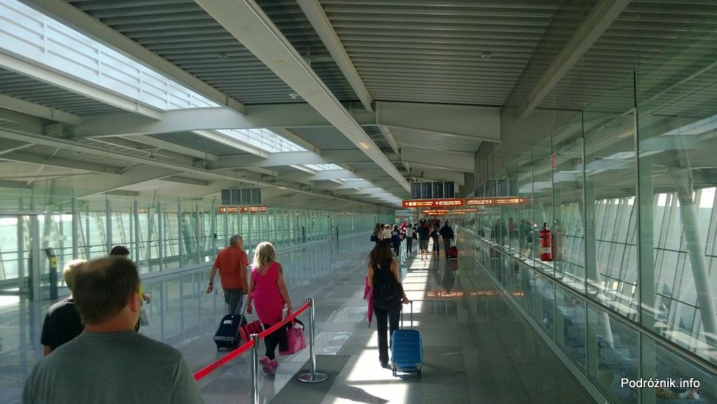 Polska - Warszawa - Lotnisko Chopina - strefa non-schengen przyloty - czerwiec 2013