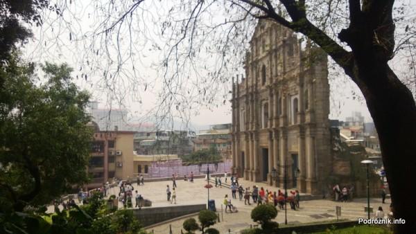 Chiny - Makao - plac na szczycie schodów przed ruinami katedry świętego Pawła - kwiecień 2013