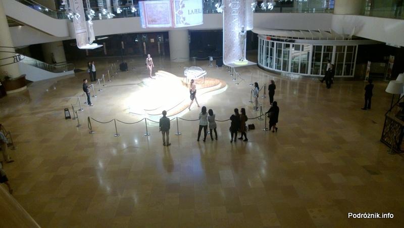 Chiny - Hongkong - Pacific Place - nocne przygotowania do pokazu mody (La Perla Fashion Show at Pacific Place) - kwiecień 2013