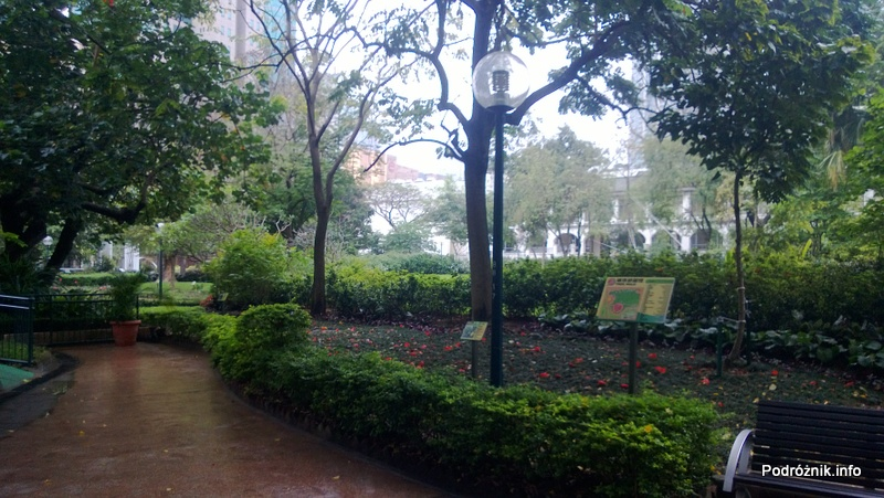 Chiny - Hongkong - Koulun (Kowloon) - Kowloon Park - kwiecień 2013