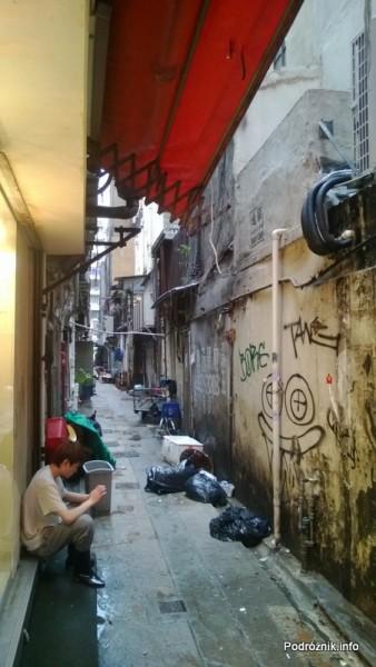 Chiny - Hongkong - zaułek - kwiecień 2013