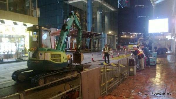 Chiny - Hongkong - nocny remont drogi - kwiecień 2013