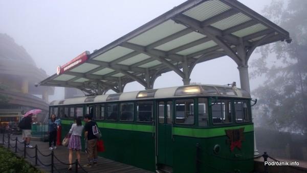 Chiny - Hongkong - Wzgórze Wiktorii (The Peak) - informacja w zabytkowym wagoniku - kwiecień 2013