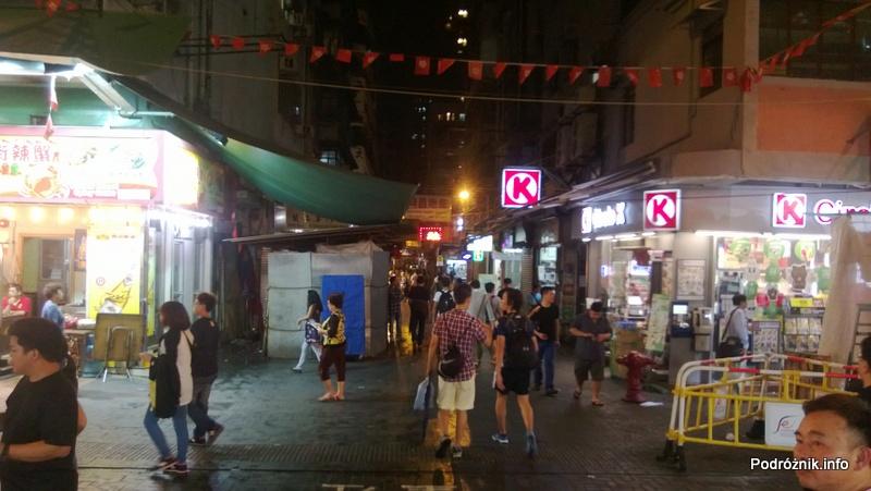 Chiny - Hongkong - okolice bazaru - kwiecień 2013