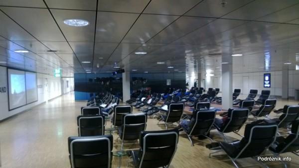 Holandia - Lotnisko w Amsterdamie - Amsterdam Airport Schiphol - miejsce do spania i wypoczynku - kwiecień 2013
