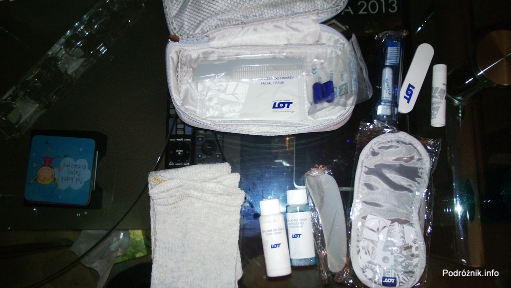 Polskie Linie Lotnicze LOT - Boeing 787 Dreamliner (SP-LRA) - Klasa Biznes (Elite Club) - dokładna zawartość kosmetyczki - czerwiec 2013