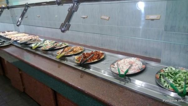 USA - Metairie przedmieścia Nowego Orleanu - Oki Nago Japanese Seafood Buffet - surówki i ciastka - czerwiec 2013