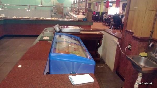 USA - Metairie przedmieścia Nowego Orleanu - Oki Nago Japanese Seafood Buffet - zamrażarka z lodami - czerwiec 2013