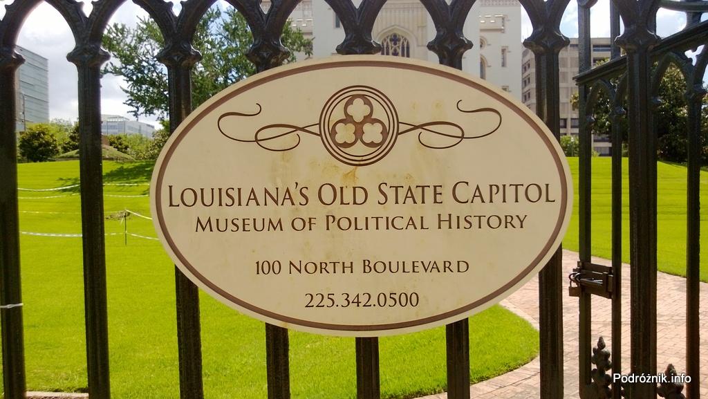 USA - Baton Rouge - Old Louisiana State Capitol - tabliczka przy wejściu - czerwiec 2013