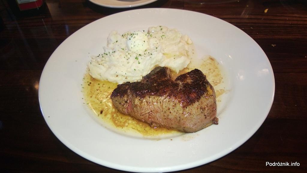 USA - przedmieścia Chicago - Longhorn Steaks - stek i pure ziemniaczane - czerwiec 2013