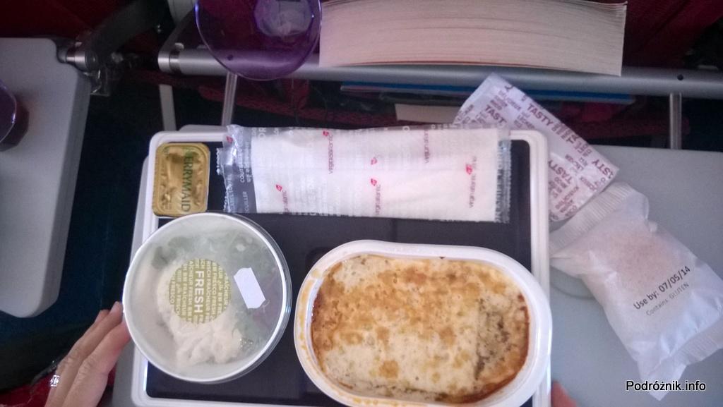 Virgin Atlantic (VS) - Airbus A330 - G-VWAG (Miss England) - lasagne z wołowiną - maj 2014