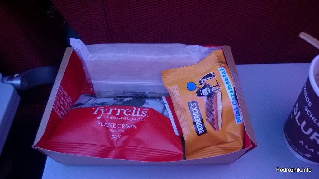 Virgin Atlantic (VS) - Airbus A330 - G-VWAG (Miss England) - pudełko z przekąską podawaną przed lądowaniem - maj 2014