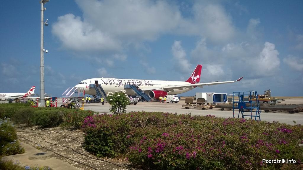 Barbados - Bridgetown - Lotnisko Grantley Adams International Airport (BGI) - Virgin Atlantic (VS) Airbus A330 G-VWAG (Miss England) - maj 2014