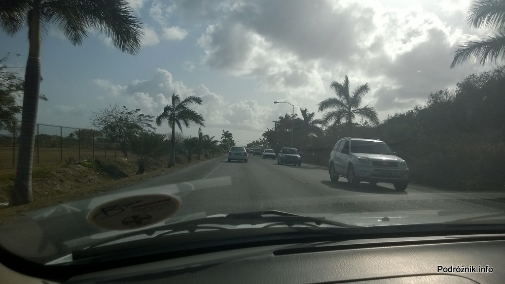 Barbados - droga w okolicach lotniska - maj 2014