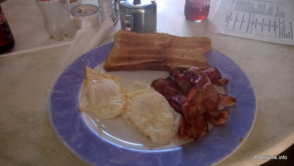 Barbados - tosty, jajka i bekon w barze - maj 2014