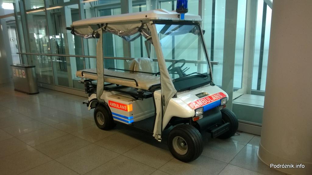 Polska - Warszawa - Lotnisko Chopina - Melex ambulans - lipiec 2014