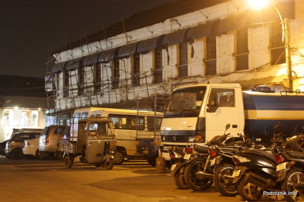 Goa  - Panaji nocą - bambusowe rusztowanie - listopad 2014