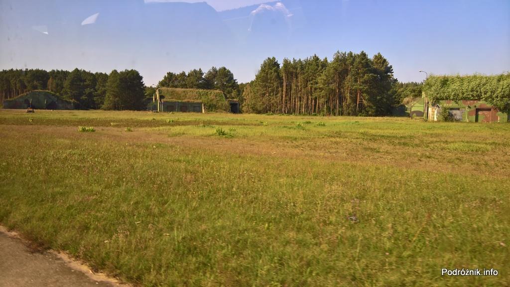 Polska - Babimost - Port Lotniczy Zielona Góra - bunkry zdolne pomieścić myśliwce - wrzesień 2017