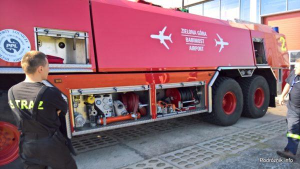 Polska - Babimost - Port Lotniczy Zielona Góra - samochód gaśnieczy GCBAPr Elage Titan SIX 6x6 - lewa strona - wrzesień 2017