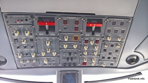 Polskie Linie Lotnicze LOT – Embraer 175 – SP-LIA - kokpit panel górny – wrzesień 2017