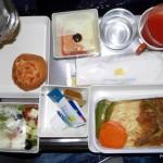 Vietnam Airlines - Boeing 777 - VN-A146 - jedzenie w klasie ekonomicznej - kolacja w stylu europejskim